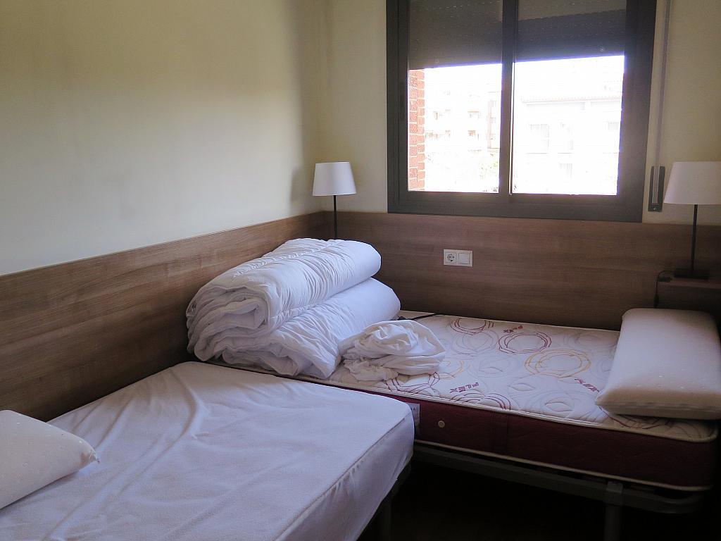 Dormitorio - Dúplex en alquiler en calle Otero Pedrayo, Els canyars en Castelldefels - 325831601