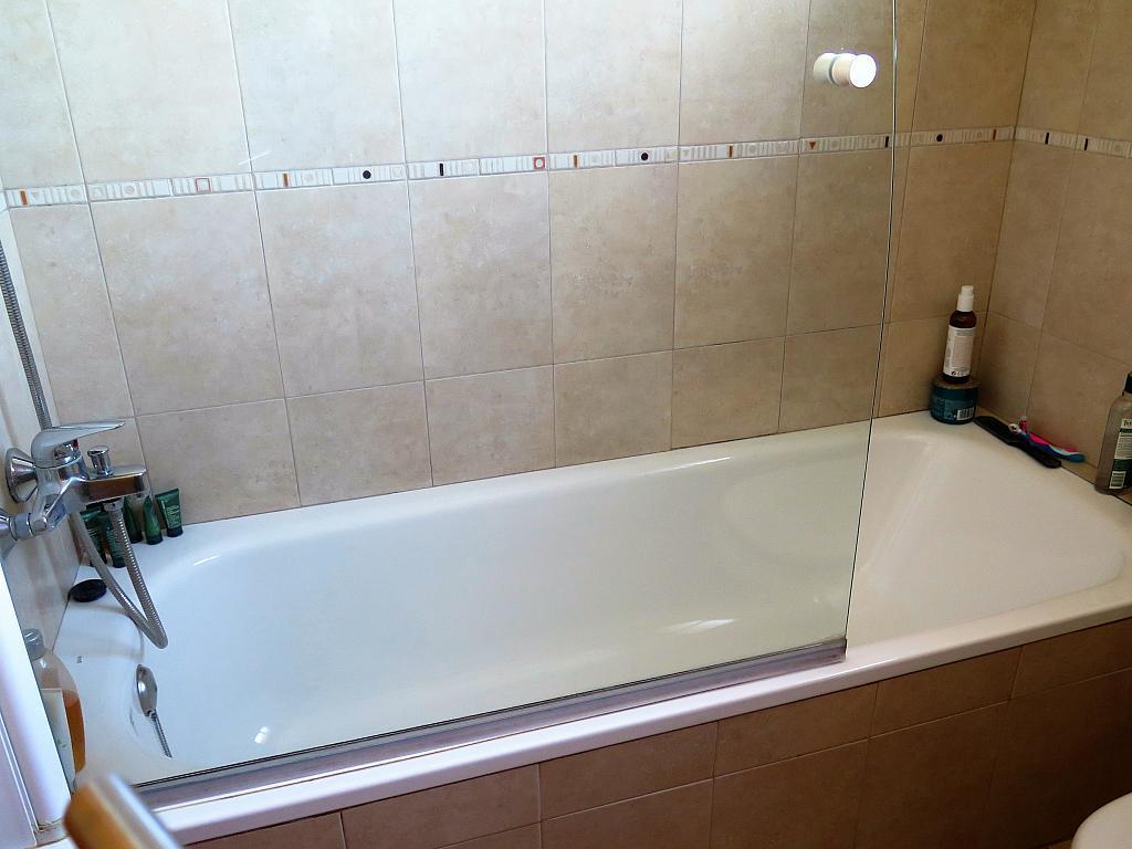 Baño - Dúplex en alquiler en calle Otero Pedrayo, Els canyars en Castelldefels - 325831656