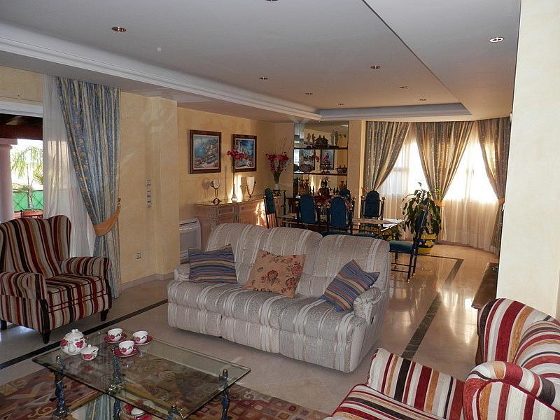 Salón - Casa en alquiler en calle Dost Esteban San Mateo, San Pedro de Alcántara - 287735228
