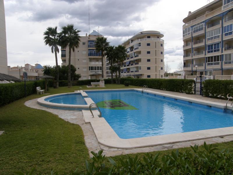 Alquiler de pisos de particulares en la comarca de bajo for Pisos alquiler arenales