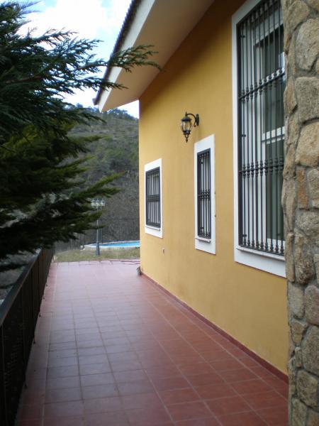 Fachada - Casa rural en alquiler en calle Río, Robledo de Chavela - 62189999