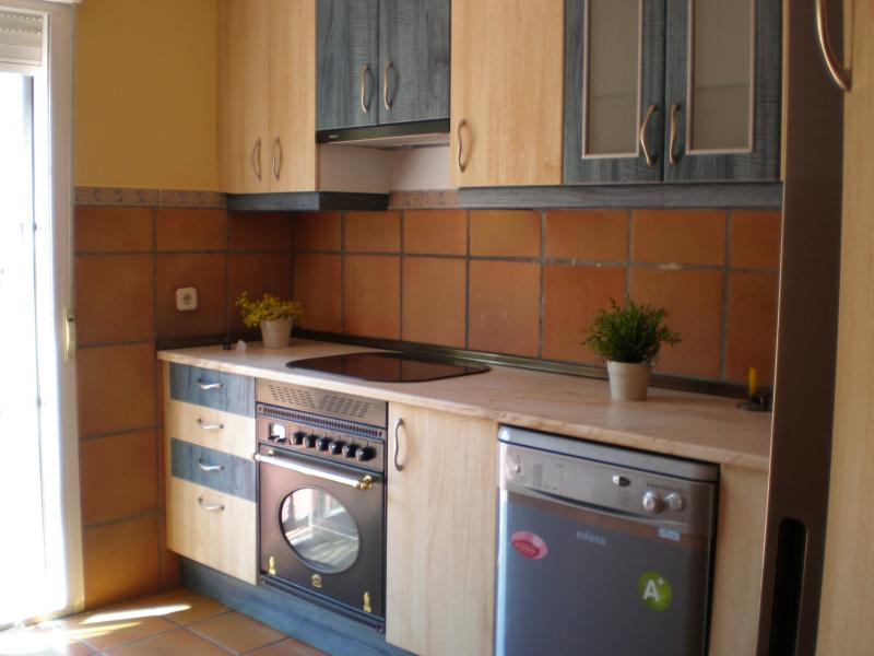 Cocina - Casa rural en alquiler en calle Río, Robledo de Chavela - 62191173