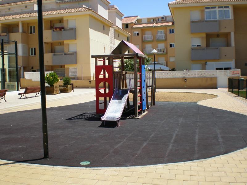 Jardín - Apartamento en alquiler de temporada en calle K, Manga del mar menor, la - 62195972