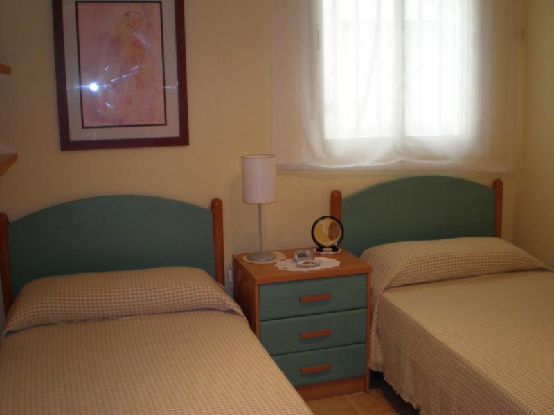 Dormitorio - Apartamento en alquiler de temporada en calle K, Manga del mar menor, la - 62196207