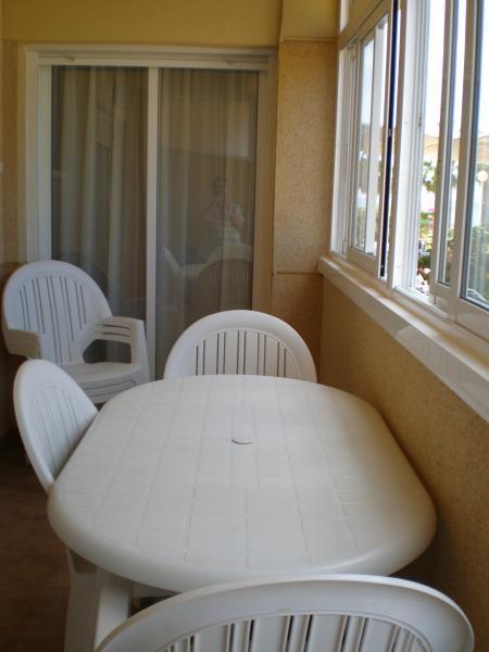 Terraza - Apartamento en alquiler de temporada en calle K, Manga del mar menor, la - 62196316