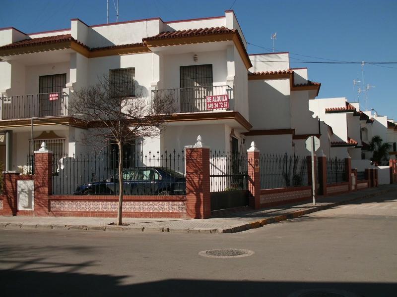 Fachada - Dúplex en alquiler en calle Virgen de Fatima, Chipiona - 117663435