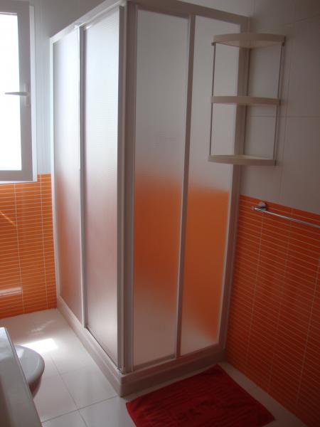 Baño - Apartamento en alquiler de temporada en calle Gran Canaria, Los Boliches en Fuengirola - 69556155