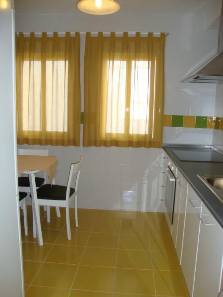Cocina - Apartamento en alquiler de temporada en calle Gran Canaria, Los Boliches en Fuengirola - 69556175