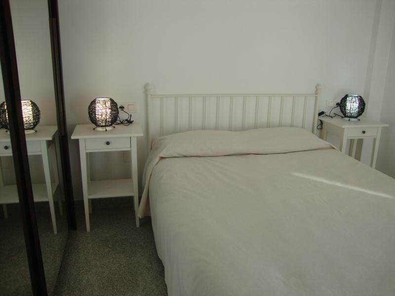 Dormitorio - Apartamento en alquiler de temporada en calle Gran Canaria, Los Boliches en Fuengirola - 69556241