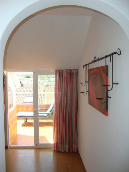 Salón - Ático en alquiler de temporada en calle Gran Canaria, Los Boliches en Fuengirola - 78435115