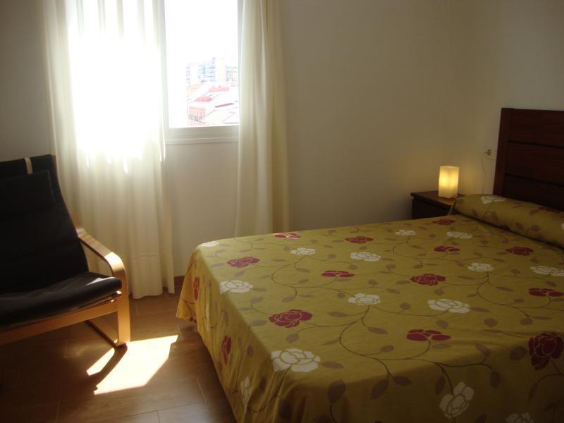 Dormitorio - Ático en alquiler de temporada en calle Gran Canaria, Los Boliches en Fuengirola - 78435545