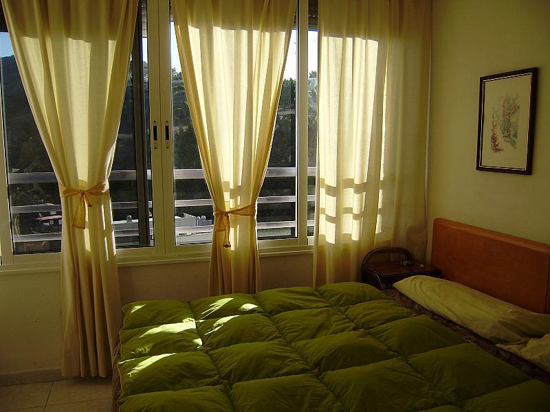 Dormitorio - Apartamento en alquiler de temporada en calle Bonn, Rincon de Loix en Benidorm - 276541063