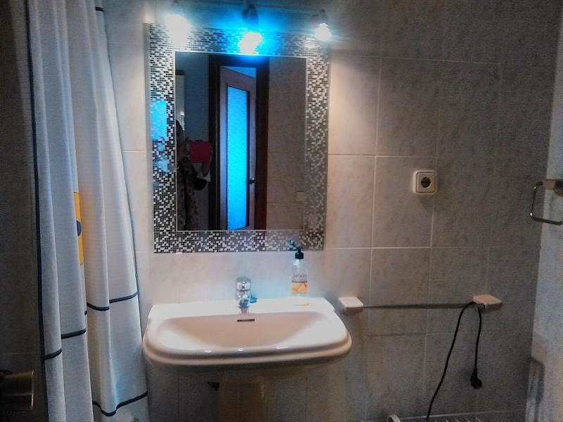 Baño - Apartamento en alquiler de temporada en calle Bonn, Rincon de Loix en Benidorm - 276541071