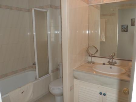 Baño - Apartamento en alquiler de temporada en calle Del Golf, Pals - 71073307