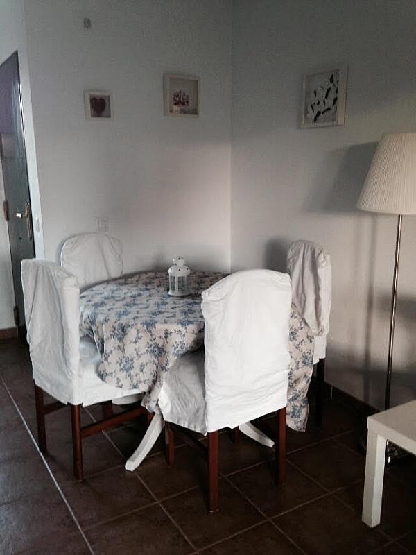 Salón - Apartamento en alquiler de temporada en calle Octavio Augusto, Sancti Petri en Chiclana de la Frontera - 330139443