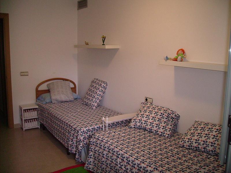Dormitorio - Apartamento en alquiler en calle Barcelona, Centro en Torredembarra - 285670915
