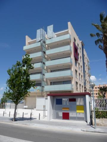 Piso en alquiler en calle Amadeo Vives, Pineda, La - 923981