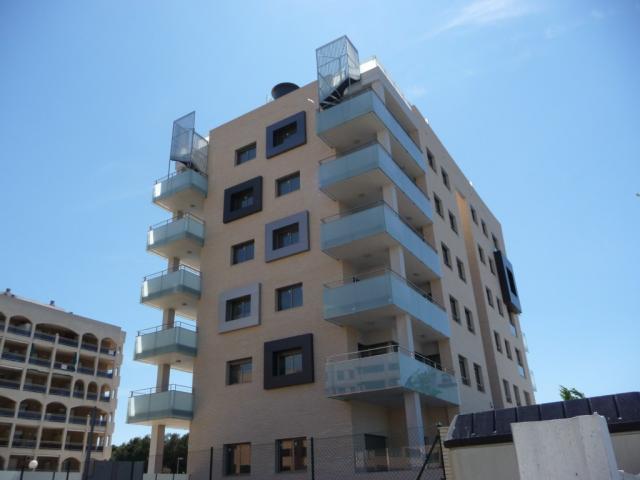 Piso en alquiler en calle Amadeo Vives, Pineda, La - 923984