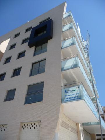 Piso en alquiler en calle Amadeo Vives, Pineda, La - 923987