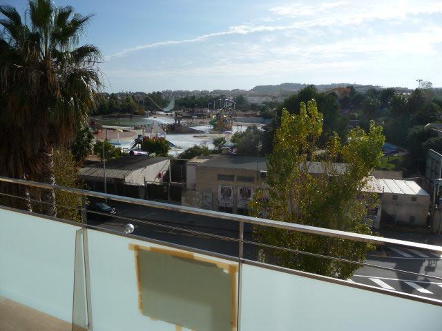 Vistas - Piso en alquiler en calle Amadeo Vives, Pineda, La - 105721058