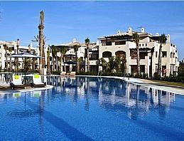 Bajo en venta en calle Adelfas, Marbella - 326600574