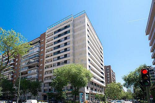 Garaje en alquiler en calle De la Castellana, Chamartín en Madrid - 347098800