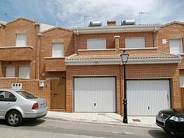 Casa adosada en alquiler en calle Miguel Angel Sanchez Garcia, Villa del Prado - 297544029